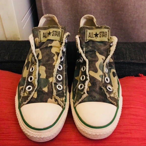 3fe4d0697b437 Camo Converse Slip-On All Star Low Top Ox (Fits 8).  M_5b5724e5cdc7f76a1ff8bc1c